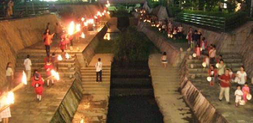 火祭り11松明.JPG